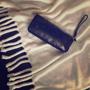 EUC ALDO black faux patent leather wristlet